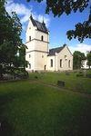 Källstads kyrka från sydväst.