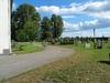 Kyrkogårdens södra sida.