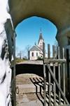 Flakebergs kyrka från stiglucka. Neg.nr. 04/284:05. JPG.