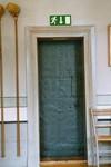 Sakristidörr i Gustaf Adolfs kyrka. Neg.nr. 04/168:05. JPG.