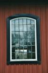Ursprungligt långhusfönster på Norra Hestra kyrka. Neg.nr. B963_048:22. JPG.