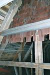 Äldre spånklätt gavelröste på vind ovan Norra Hestra kyrka. Neg.nr. B963_047:19. JPG.
