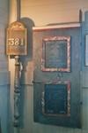 Predikstolsdörr och nummertavla från Valdshults gamla kyrka. Neg.nr. B963_052:04. JPG.