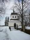 Skeppsås kyrka. Klockboden från söder.