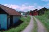 Uthuset, hus nr 9005, till vänster i bild.