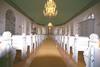 Kyrkorummet sett mot koret i öster.