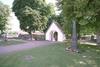 Stiglucka och del av kyrkogården.