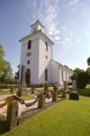 Slöinge kyrka sedd från sydväst.