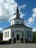 Den åttakantiga centralkyrkan är unik i stiftet genom sin planform och arkitektoniska gestaltning, samt ovanlig genom att vara uppförd i sten under en tid när det annars nästan enbart byggdes långhuskyrkor av trä i Övre Norrland. Kyrkan har ett senklassicistiskt lugnt och harmoniskt uttryck som skiljer den från senare centralkyrkor från 1870- och 80-talen. Då fick de mer varierade planer och rikare formspråk i nyrenässans och nygotik. Den goticerande spiran lyfter kyrkans linjer till en harmonisk triangelform och för-enar de två stilarnas uttryck på ett förtjänst-fullt sätt. Utvändigt är kyrkan mycket välbevarad, förutom tillbyggnaden av en sakristia på baksidan, vilket innebar att korfönstren måste muras igen.