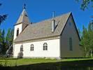 Kapellet, som är uppfört 193233, har en enkel och klassicistisk karaktär, med brant sadeltak, rundbågiga fönster, rundfönster i gavelröstet och ett förhållandevis lågt torn i väster. Utvändigt är kapellets karaktär välbevarad. Den största förändringen är hk-anpassningen med ramp på den norra sidan. Den ligger dock på den minst exponerade sidan.
