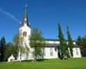 Kyrkan är uppbyggd som en treskeppig basilika med högre mittskepp, klerestorievåning och lägre mittskepp samt en absid i öster. Det höga tornet med huvudingången är traditionellt placerat i väster. Basilikaformen förekom också i dåvarande Åsele kyrka från 1852, men då i mer utpräglat nyklassicistisk tappning och i sten. Under de trettio år som skiljer kyrkorna åt hade en ny riktning inom kyrkobyggandet inletts. Stensele kyrka ger prov på en mer självständig och experimentell arkitektur än den formstarka nyklassicismen som dessförinnan hade dominerat kyrkobyggandet under ett sekel. Här märks gotiska former på fönster och torn, konstruktions-detaljer som nyttjas som utsmyckning samt allt mer former som framträder på träets egna villkor i stället för att efterlikna sten och puts. De två största förändringar som skett utvändigt är att taket bytts till kopparplåt (ursprungligen brädspån) och att en hk-ramp har tillkommit på norra långsidan. Den lilla ekonomibyggnaden nordväst om kyrkan var ursprungligen ett bisättningskapell.