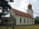 Smedby kyrka sedd från nordöst.