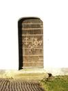 Medeltida dörr återanvänd till sakristian.
